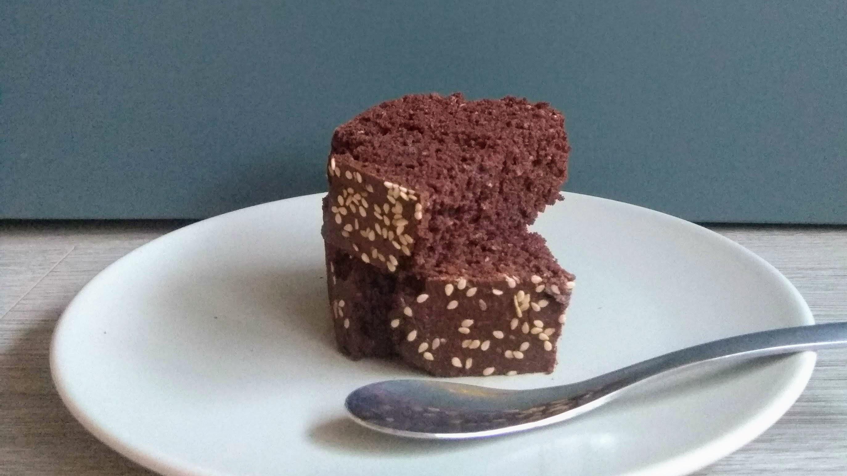 Receta: Bizcocho saludable de chocolate. Descúbrela en: www.cocinandoconlola.com
