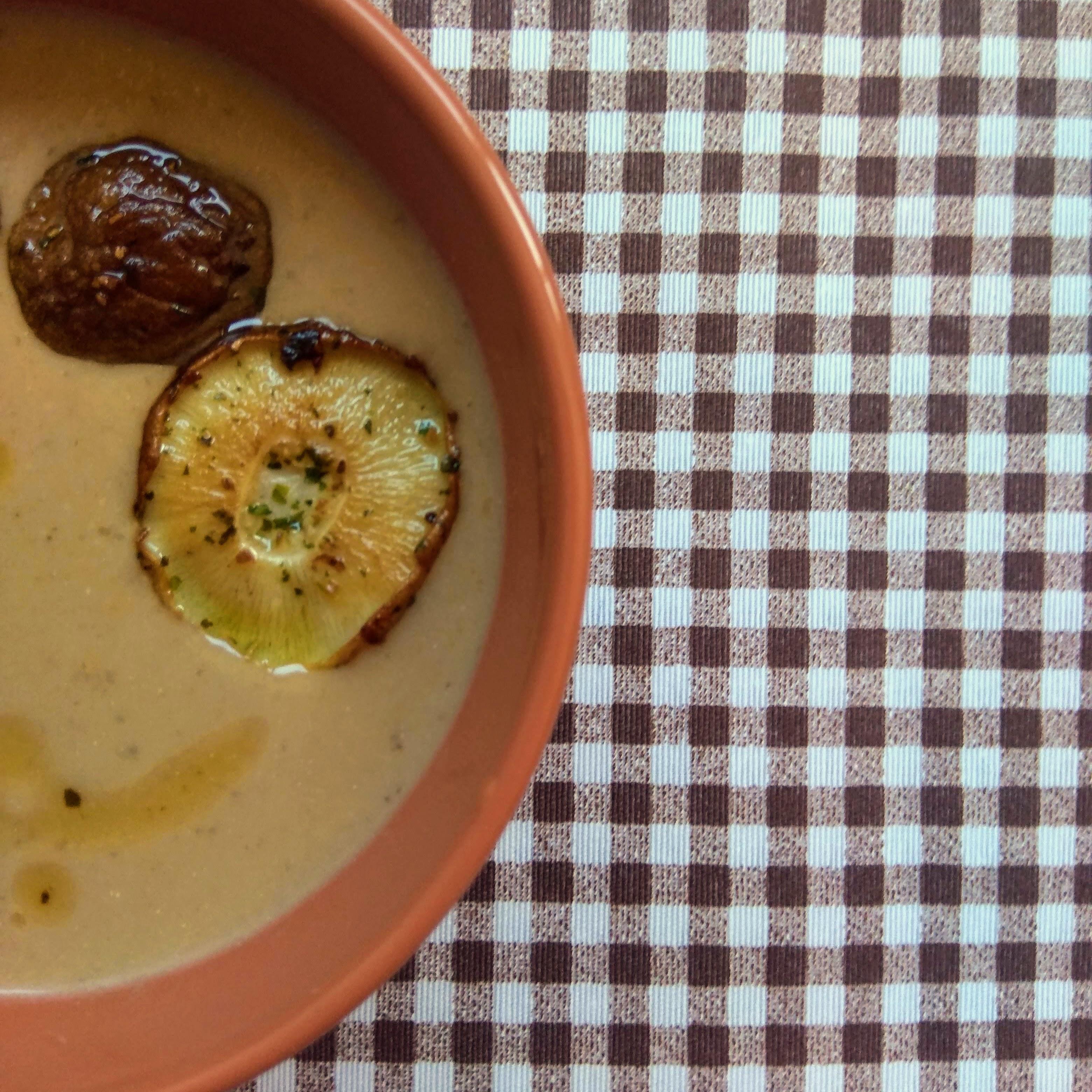 Receta de crema de setas shiitake y castañas. Descúbrela en: www.cocinandoconlola.com