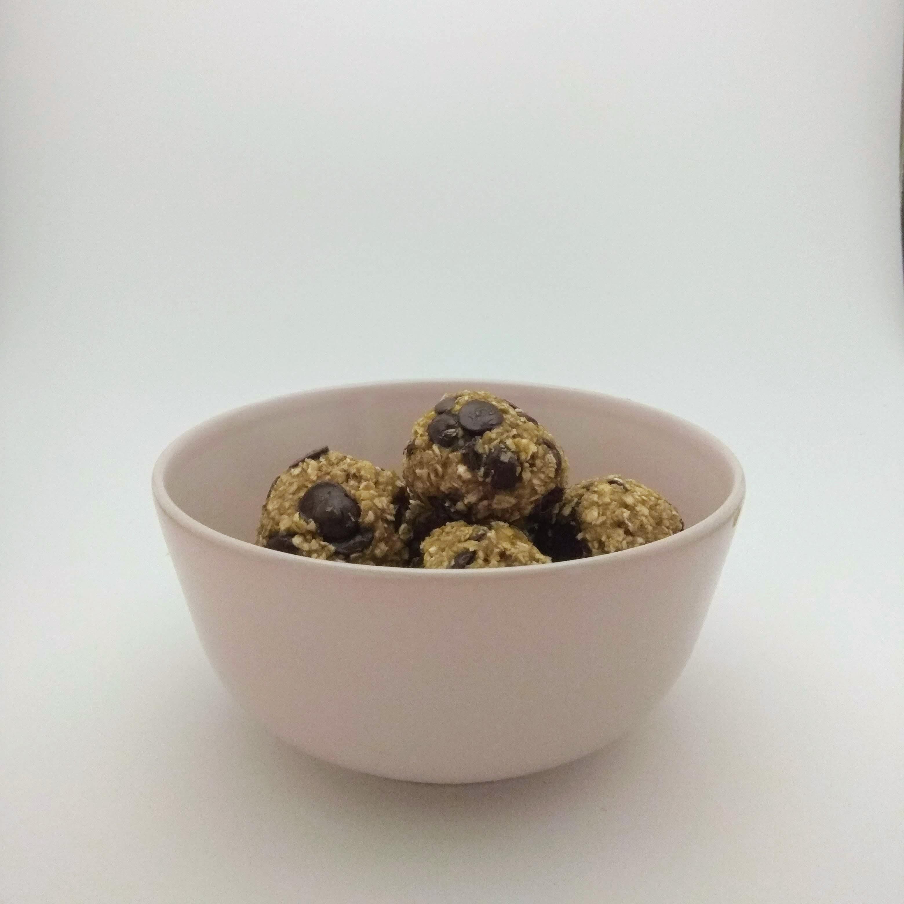 Receta de snacks saludables de avena. Descúbrela en: www.cocinandoconlola.com y chocolate
