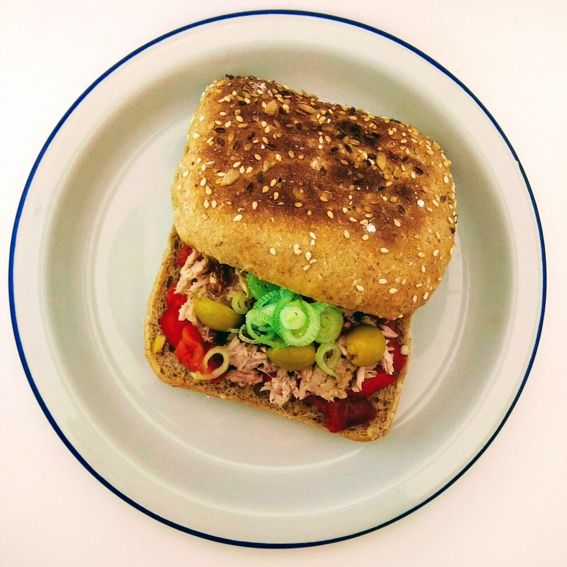 Receta fácil de sándwich d'escalivada. Descúbrela en: www.cocinandoconlola.com