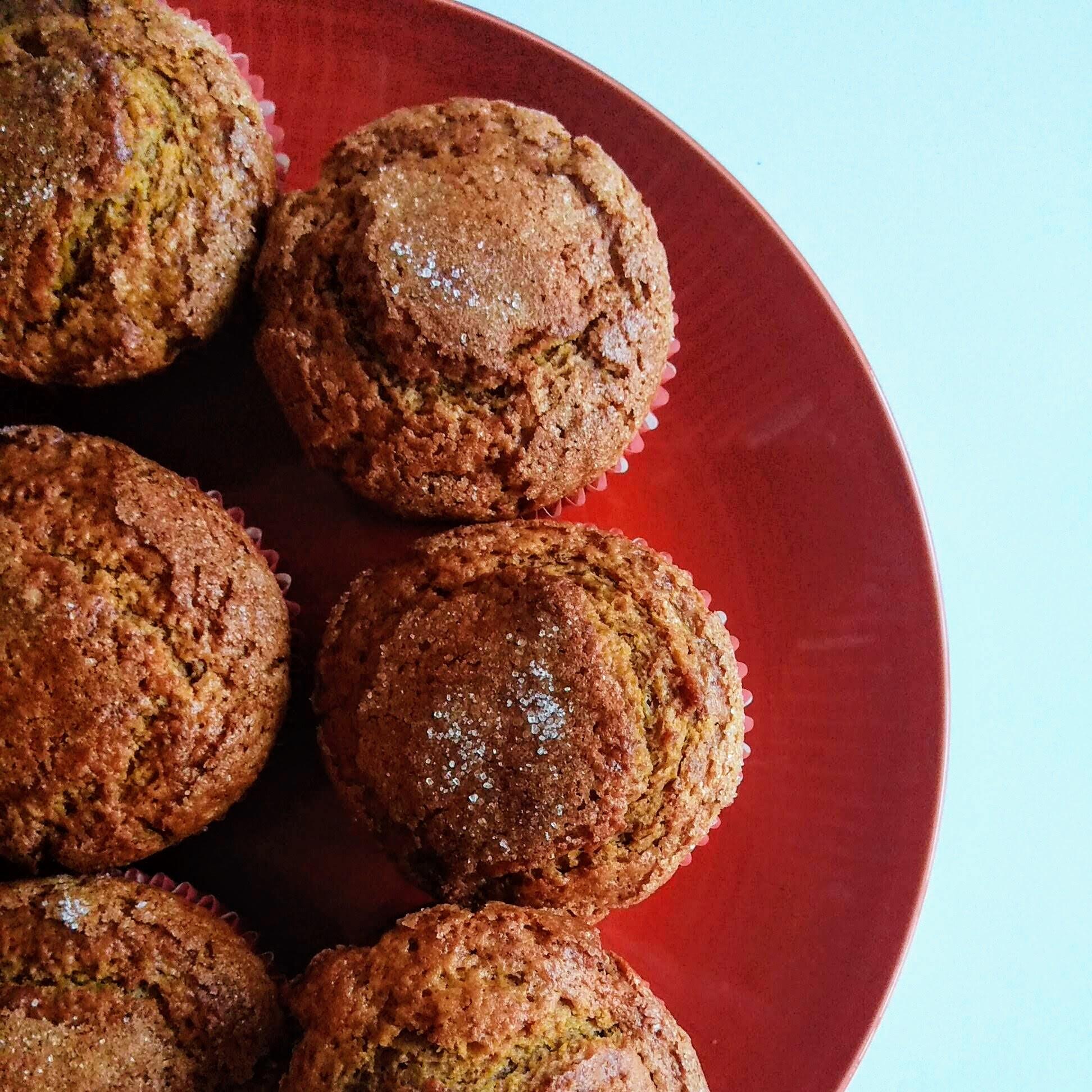 Receta fácil de Magdalenas de nata y galleta. Descúbrela en: www.cocinandoconlola.com
