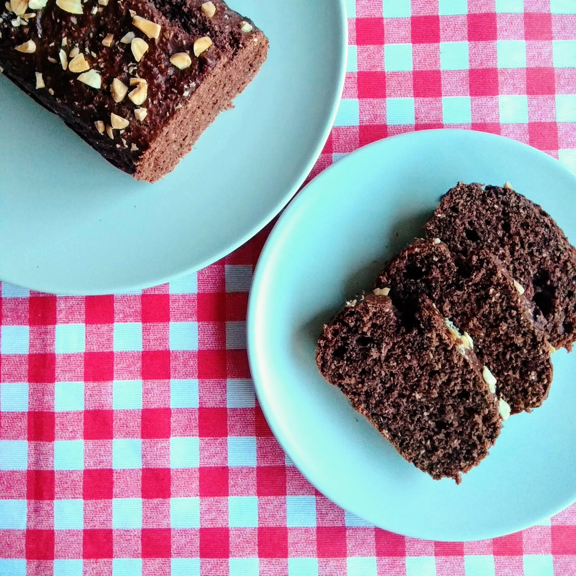 Receta de Bizcocho de plátano y chocolate. Descúbrela en: www.cocinandoconlola.com