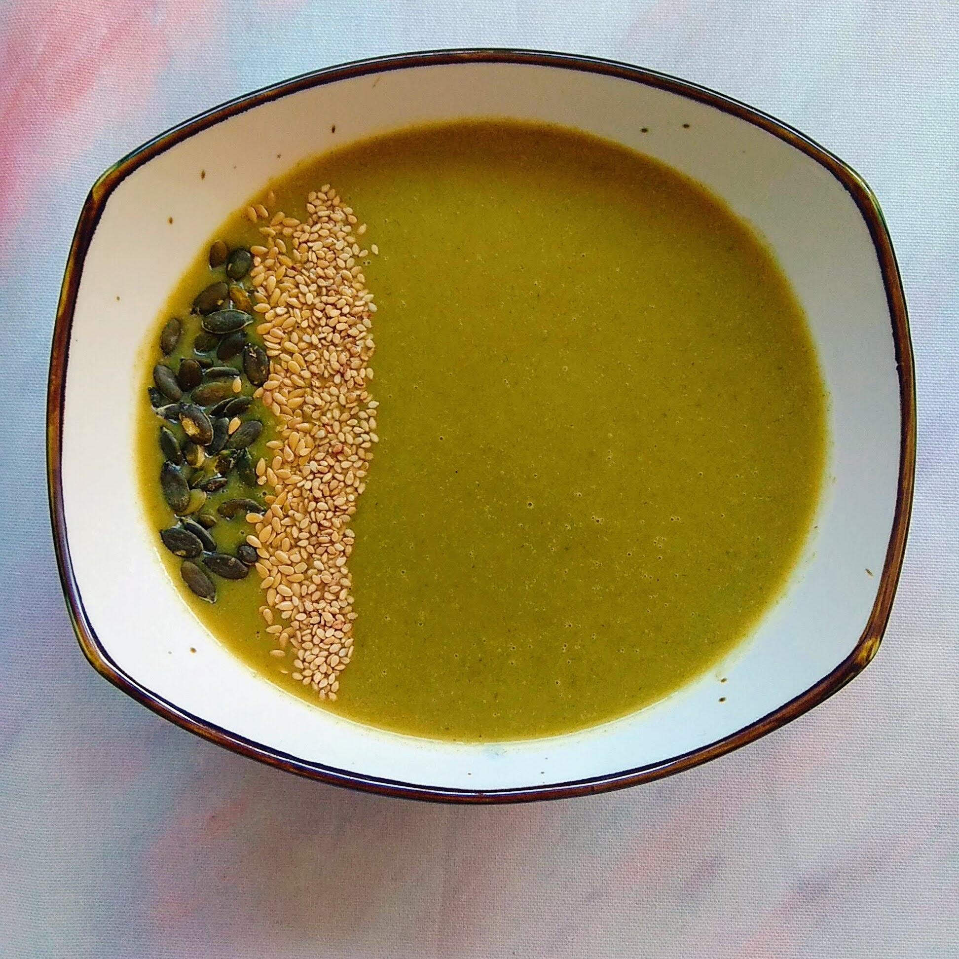 Receta fácil de Crema de acelgas ligera. Descúbrela en: www.cocinandoconlola.com
