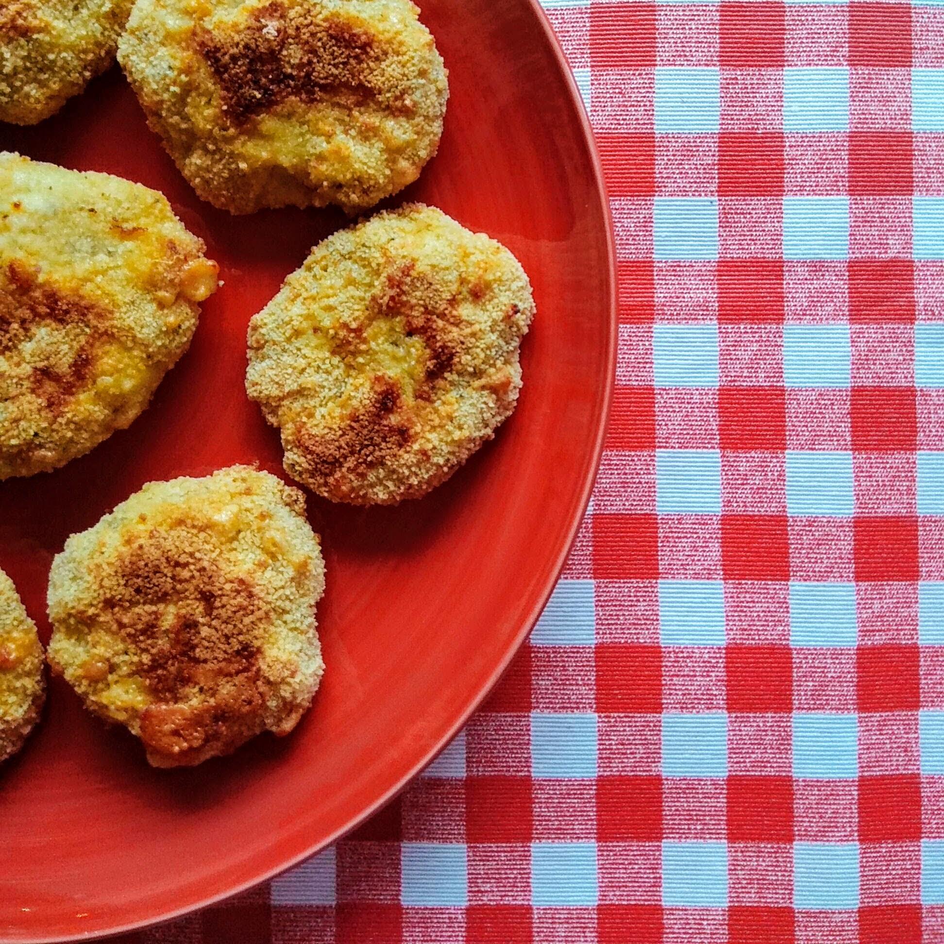 Receta fácil de nuggets de pollo saludables. Descúbrela en: www.cocinandoconlola.com
