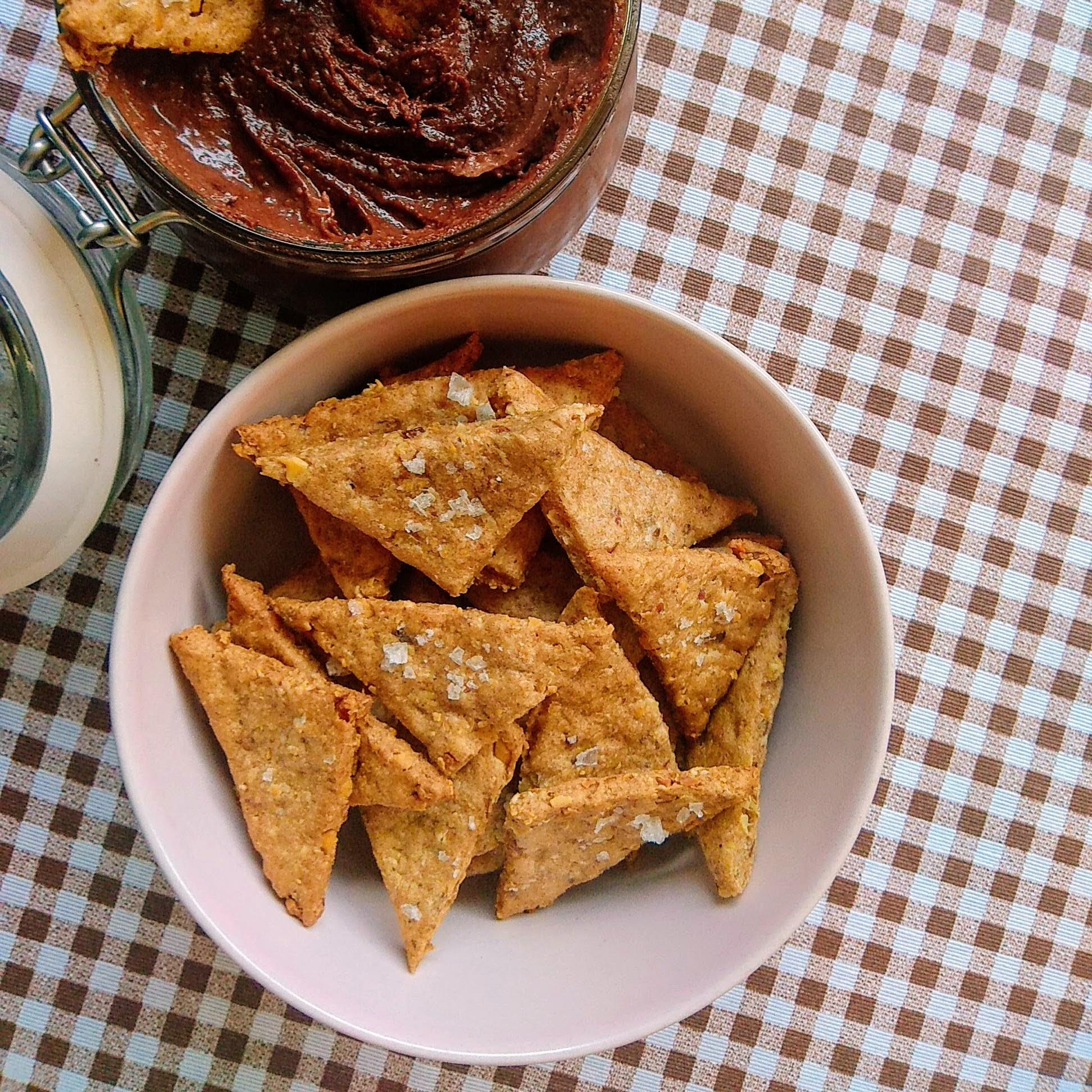 Receta fácil de Crackers de espelta saludables. Descúbrela en: www.cocinanconlola.com